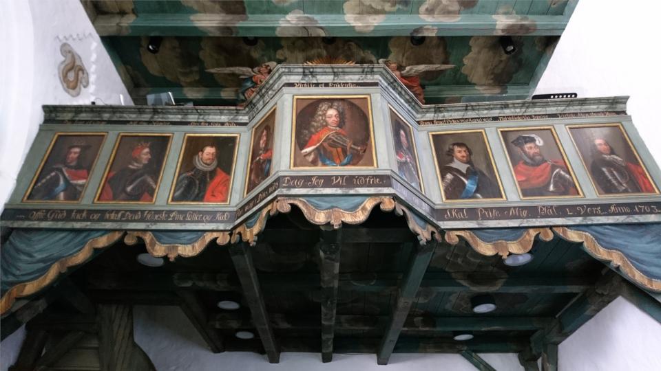 Портреты королей Дании. Фото 2 июн. 2021, церковь Асмильд, Виборг, Дания