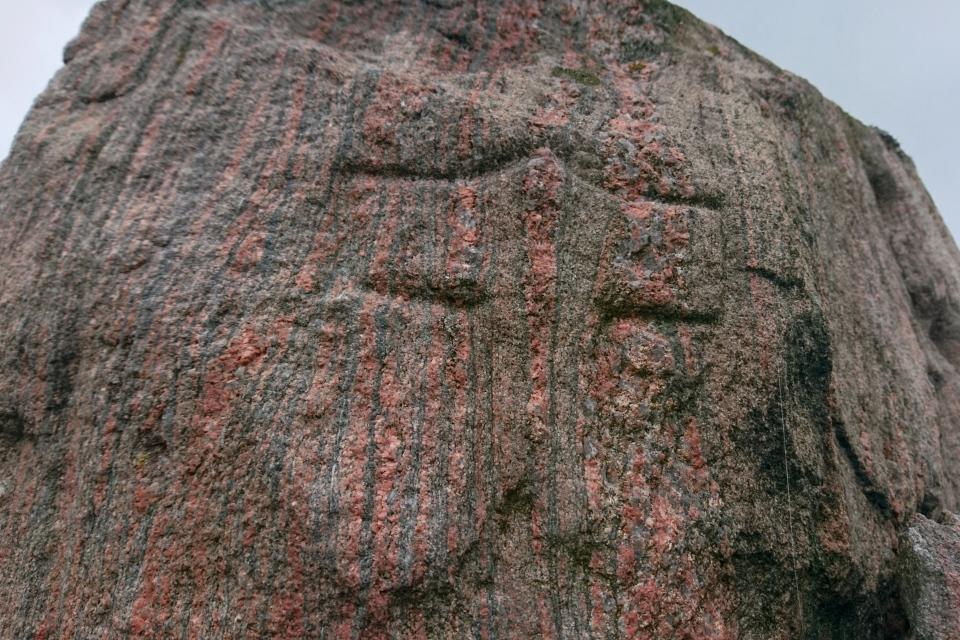 Thor. Рунный камень церкви Лэборг (Runestenen Læborg Kirke), Дания. Фото 28 июля 2021