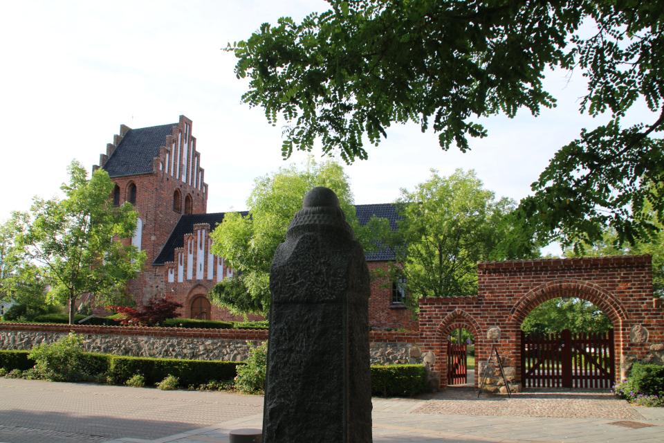 Церковь Биркерёд, Дания. Фото 8 июля 2021