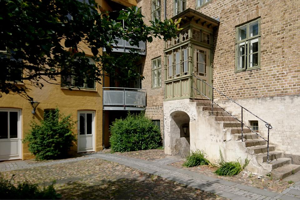 IC Mollgaard, Генеральский дом в Хорсенс (Generalsgården Smedegade 91), Дания. Фото 1 июл. 2021