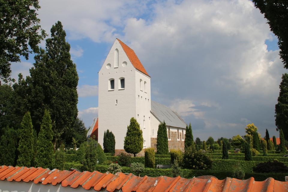 Sten fra stendige. Церковь Бэкке (Bække Kirke), Дания. 28 июля 2021