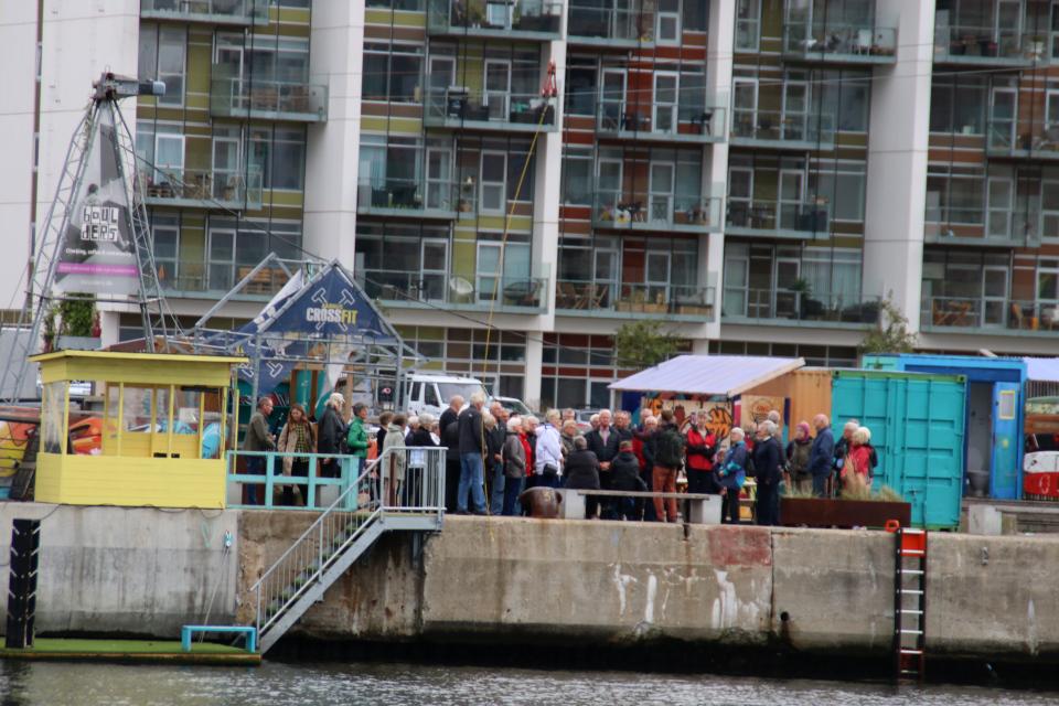 Туристы. Орхус Доклендс (Aarhus Ø), Дания 29 сентября 2021