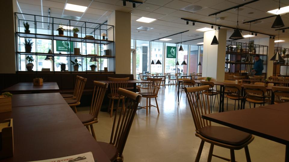 Столовая. Дом поколения (generationens hus). Орхус Доклендс (Aarhus Ø), Дания 29 сентября 2021
