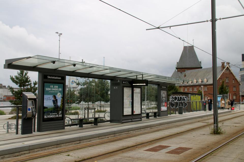 Skolebakken, трамвай. Орхус Доклендс (Aarhus Ø), Дания 29 сентября 2021