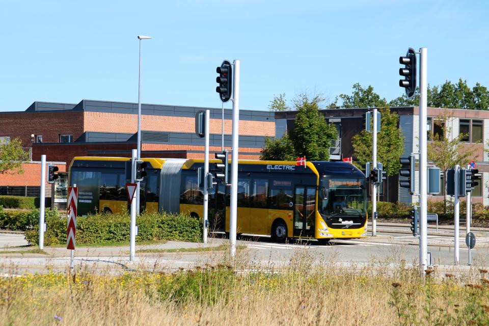 Автобус, праздничная неделя Орхуса. Форум - день открытых дверей (Forum - Åbent Hospital), Университетская больница Орхус, Дания. Фото 5 сент. 2021