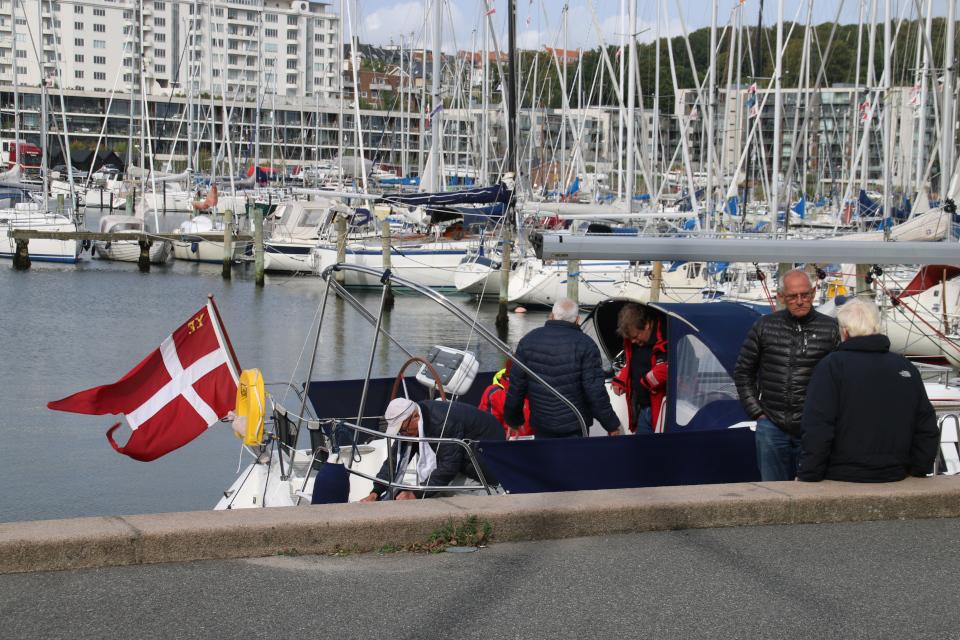 Старая лодка. Орхус Доклендс 29 сентября 2021 (Aarhus Ø), Дания