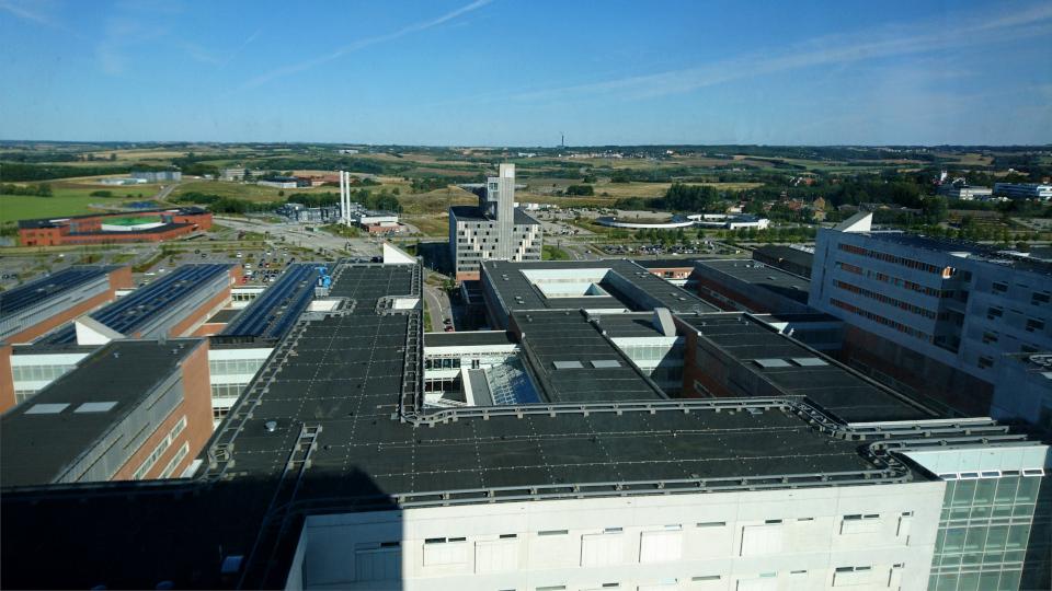 Вид из окна. Форум - день открытых дверей (Forum - Åbent Hospital), Университетская больница Орхус, Дания. Фото 5 сент. 2021