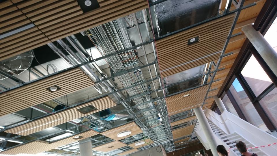 Потолок. Диабетический центр. Форум - день открытых дверей (Forum - Åbent Hospital), Университетская больница Орхус, Дания. Фото 5 сент. 2021