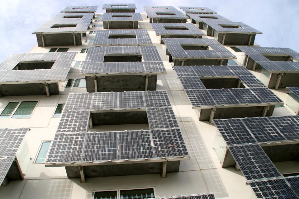 Солнечные батареи. Орхус Доклендс 29 сентября 2021 (Aarhus Ø), Дания