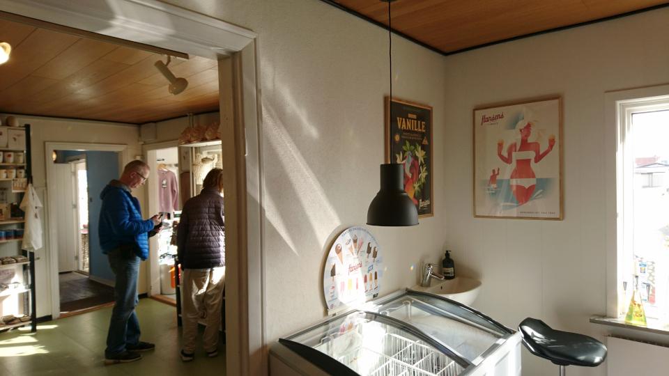 Cafe sneglehuset. Дом с ракушками Тюборён (Sneglehuset, Thyborøn), Дания. Фото 26 сент. 2021
