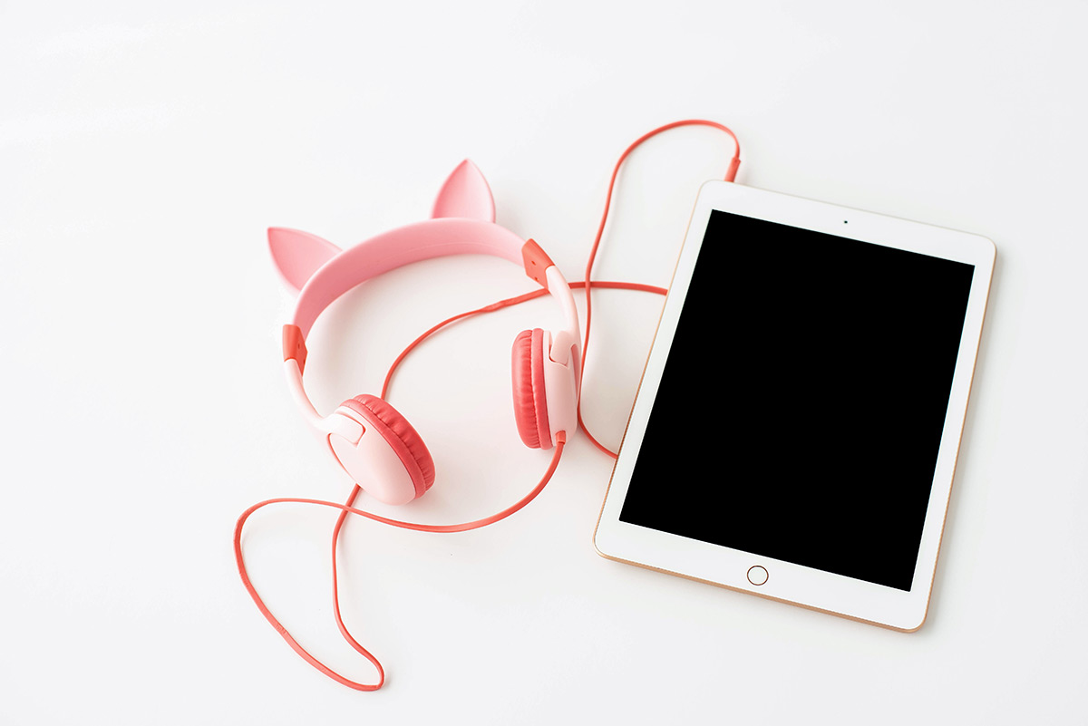 kids headphones and ipad