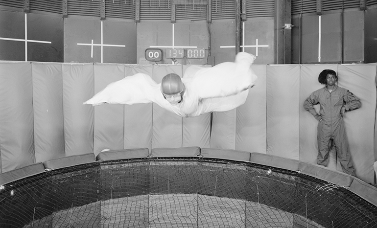 A history of skydiving simulators