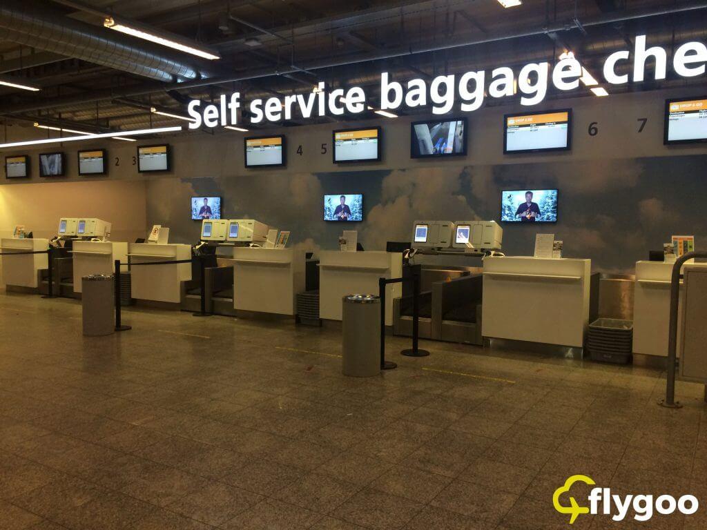 Gepäckaufgabe-Schalter