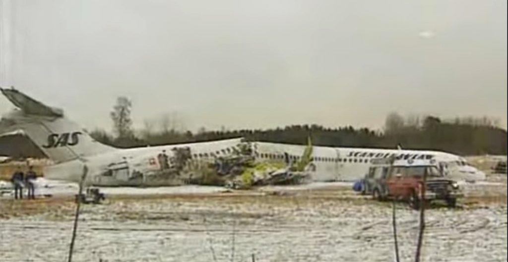 SAS-flyet brækkede over i tre stykker