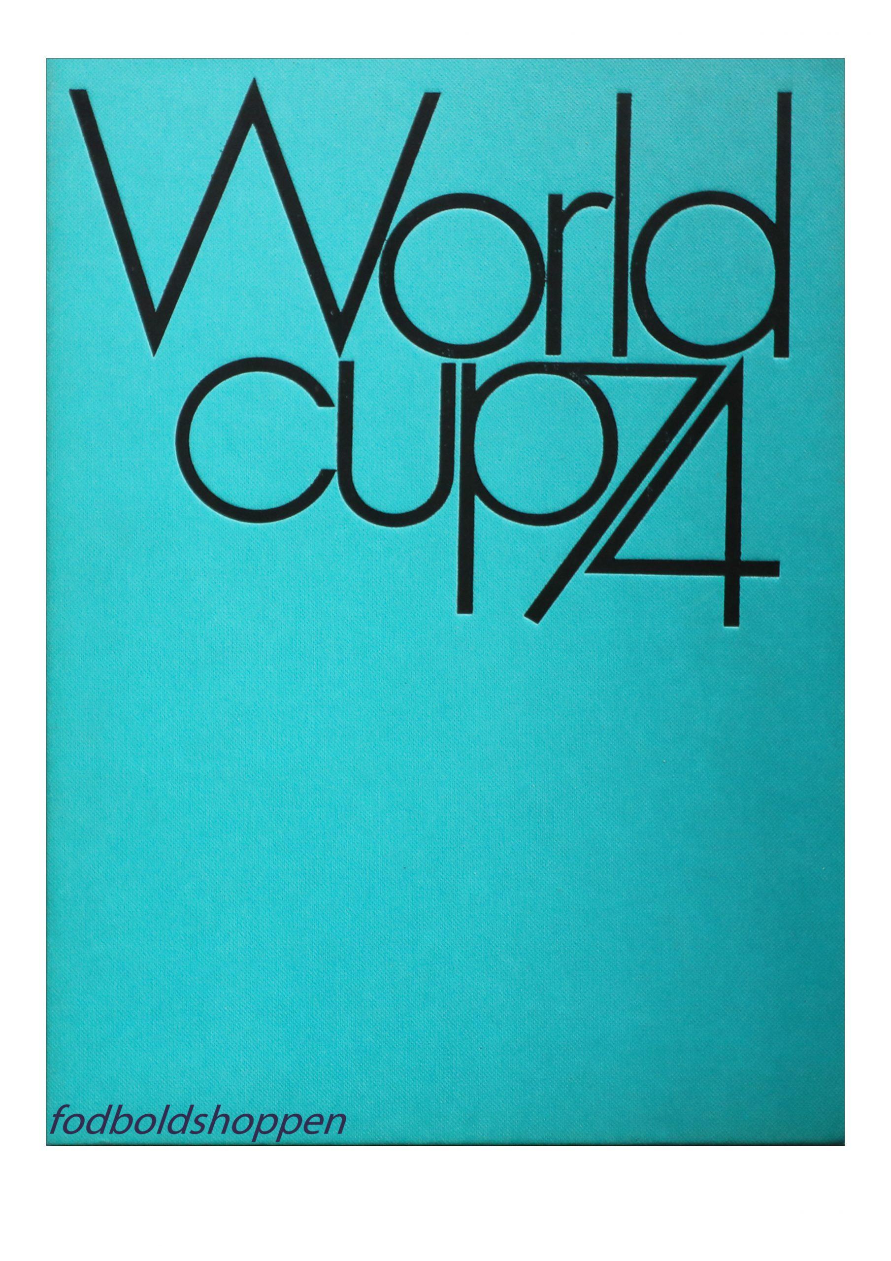 Officiel gennemgang af VM slutrunden i fodbold 1974. Er beskrevet på 4 forskellige sprog, Engelsk , Tysk, Spansk, Italiensk.