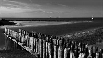 Passed-by © Robert Van Maele
