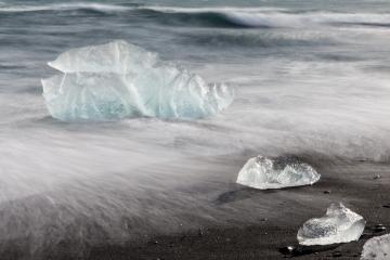 01 Ijsland gletsjerijssculpturen © Steven Warmoes