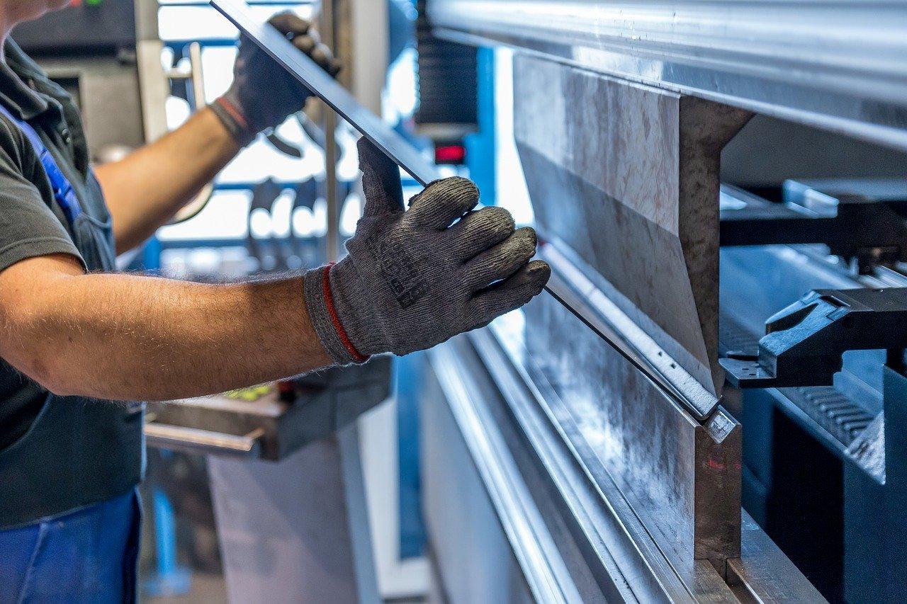 Man använder industrimetaller inom tilllverkning