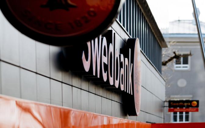 Swedbank vägrar ge ut kontanter