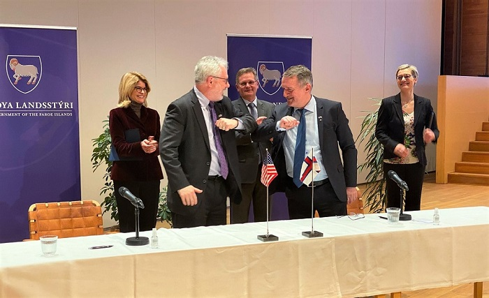 USA og Færøerne underskriver en partnerskabserklæring