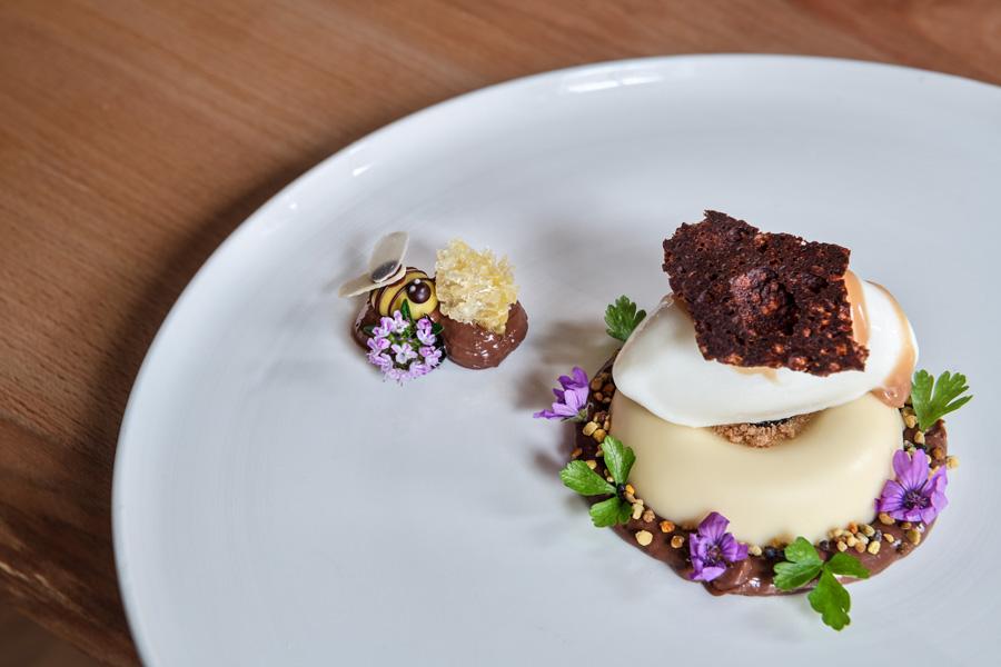 Dessert Biene Andi Widmann Teller , Interview Food Fellas Magazine