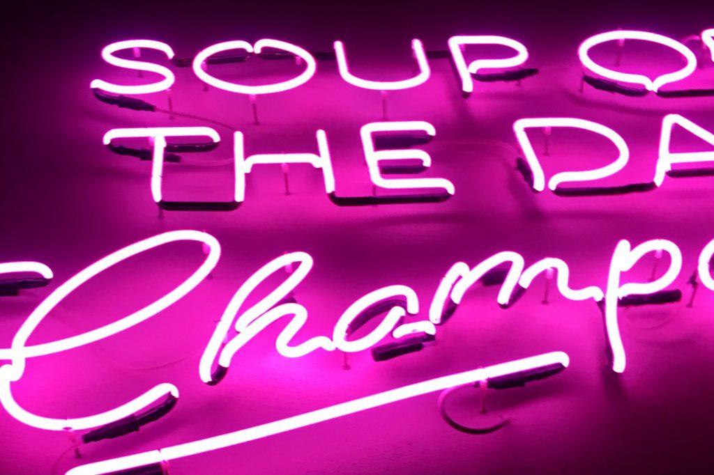 Soup of the day Champagner Alexander Herrmann Imperial Schriftzug / Food Fellas