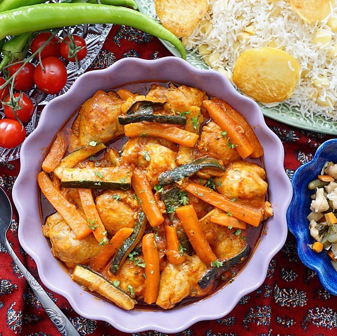 Kyckling med morötter och zucchini med smak av kanel