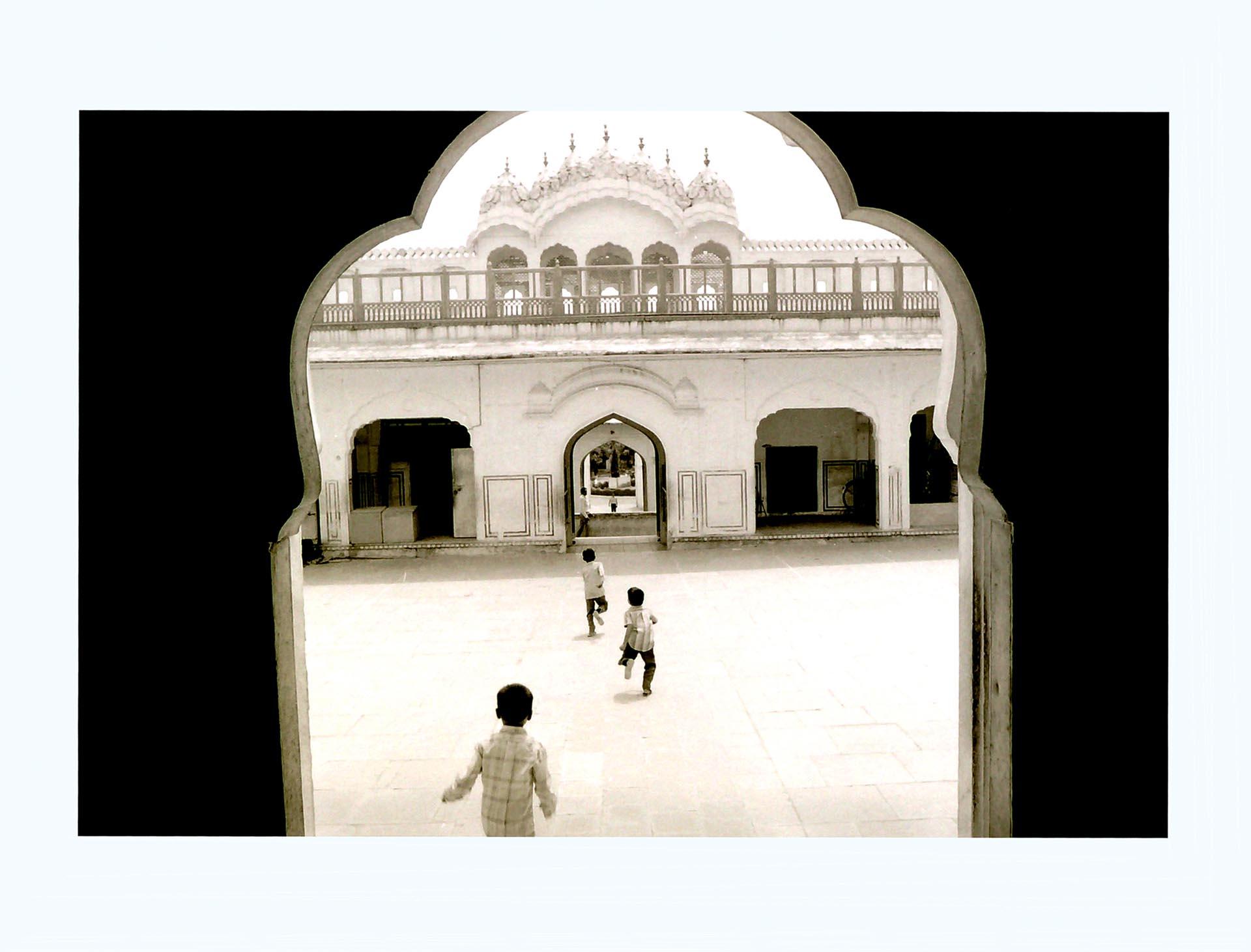 002-Children,India 1990