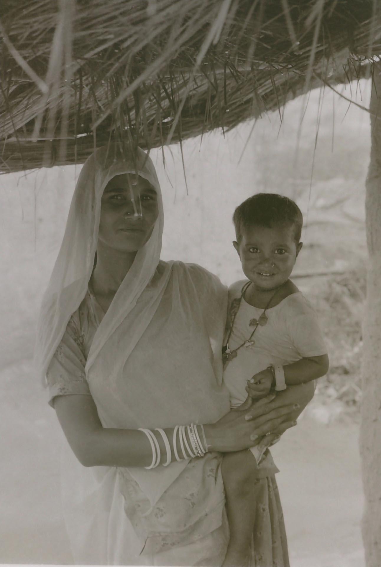 013-Maternità,Jaipur,India 1990