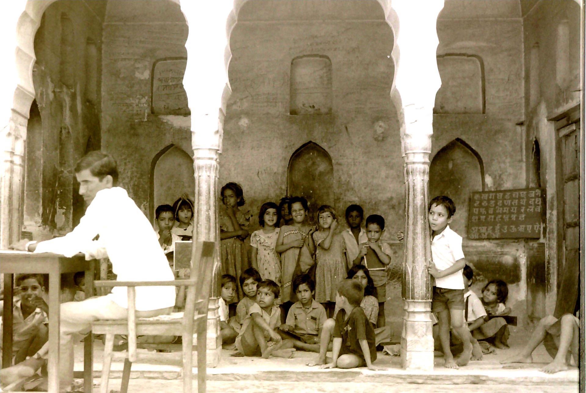 017-Scuola elementare a Mandawa,India 1990