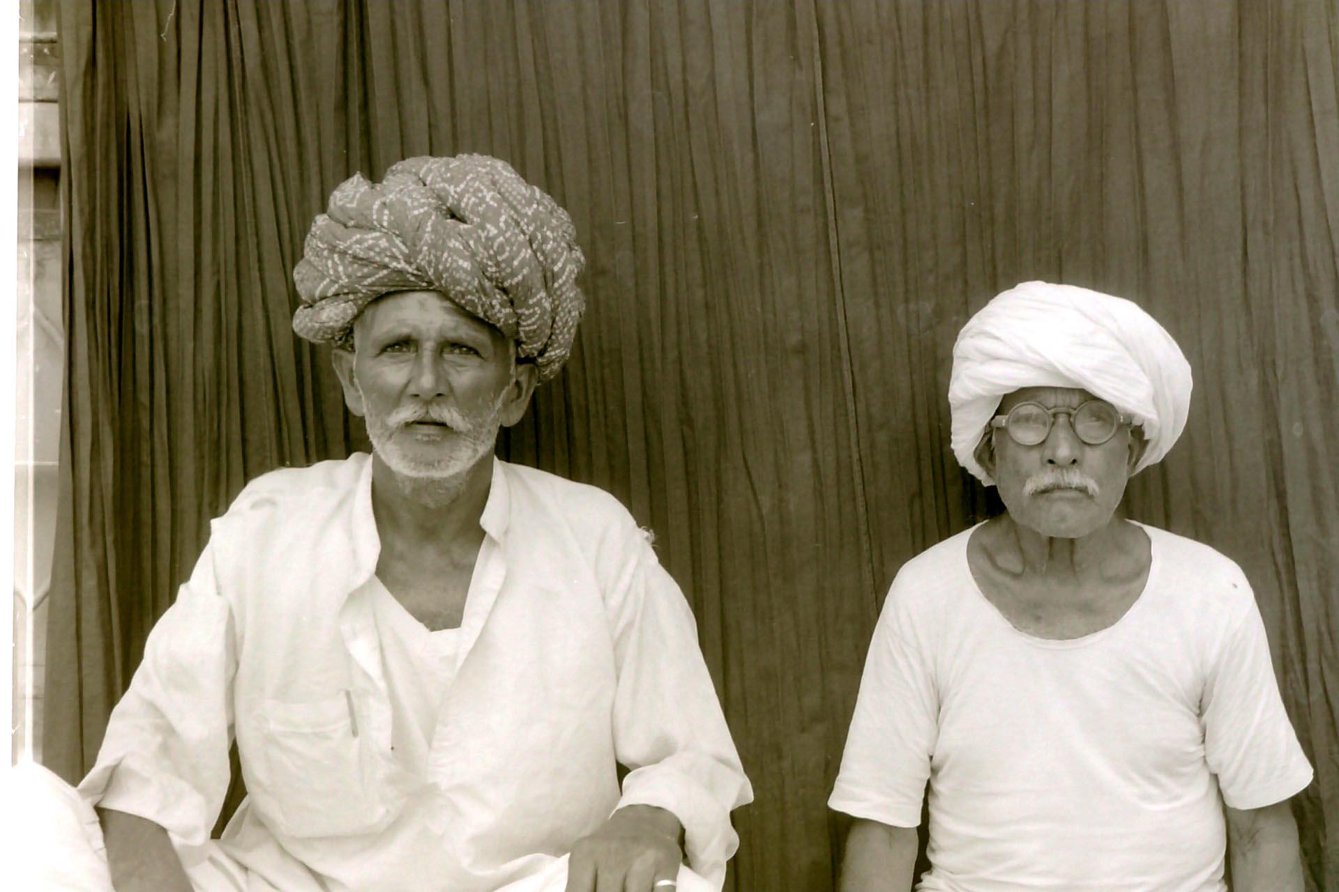 023-Uomini del Rajasthan dal fotografo,India 1990