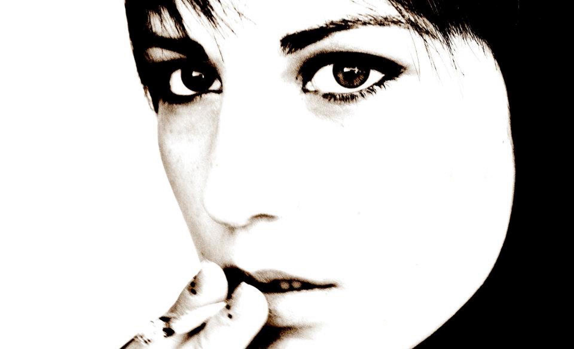 Roxana selfportrait in High-Key,2012