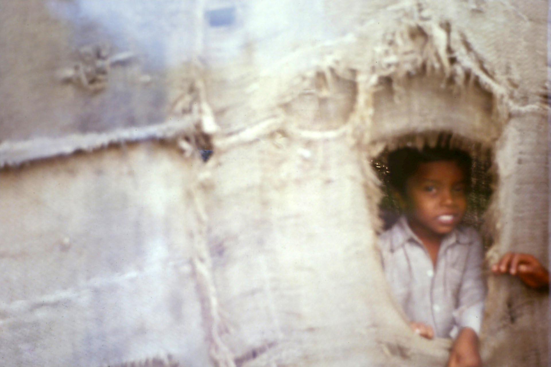 child in slum,Gujarat