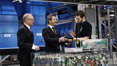 Photo of H.K.H. Kronprinsen og miljøminister Lea Wermelin åbnede ny pantfabrik