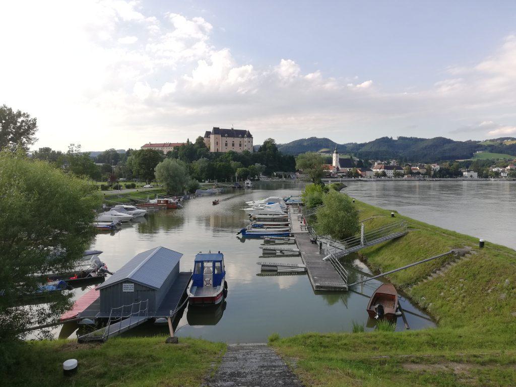 Greinburg und Hafen