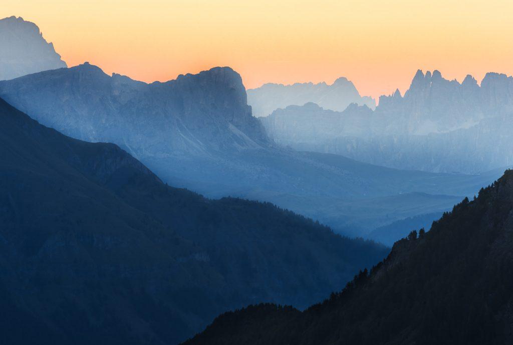 En härlig soluppgång över Marmolada, Dolomiterna.