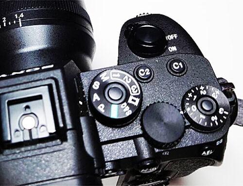 Bakre fokusknapp för bättre fokuskontroll.