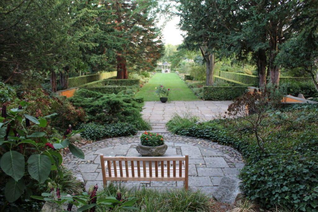 Tre steg for å velge riktig hekk til hagen din