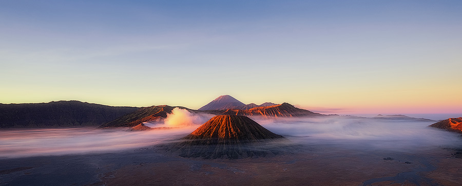 Mount Bromo at sunrise.  Fuji X-T1 & XF14mm
