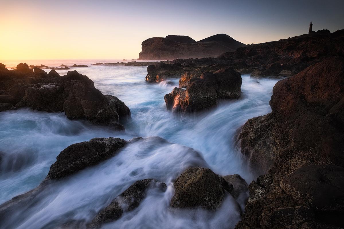 Capalinhos, Faial island, Açores, at sunset Lajes – X-T1 + XF10-24mm