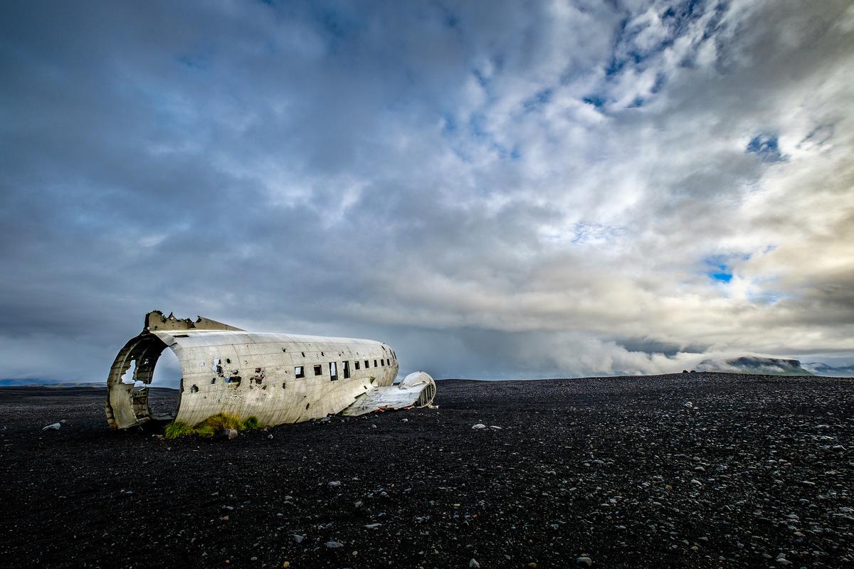 Vík í Mýrdal - The plane, 10mm F8 1/2400 iso200