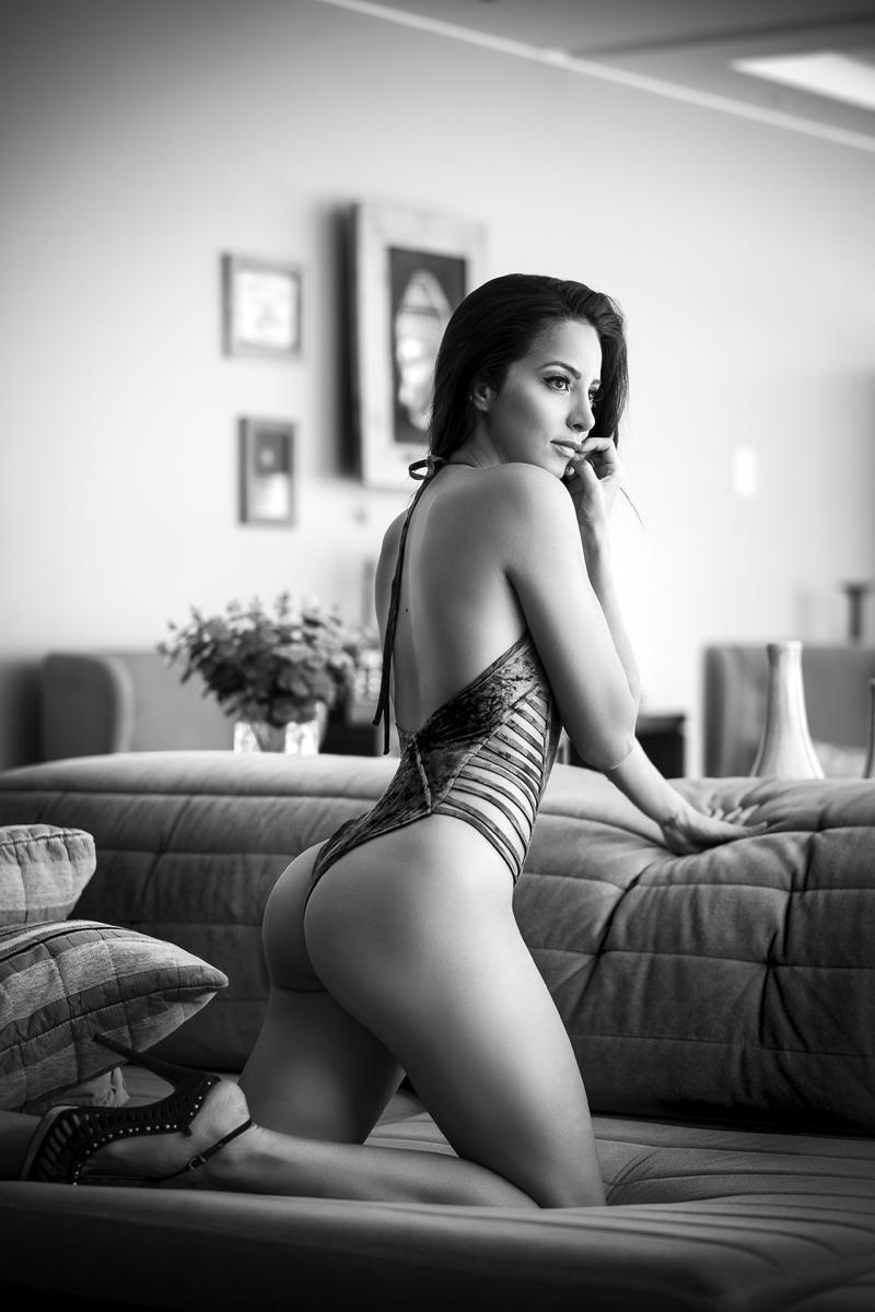 """Model: Fernanda Heri Fuji X-T1 . Fuji XF56mmF1.2 . f/1.2 . 1/1000"""" . ISO 200"""