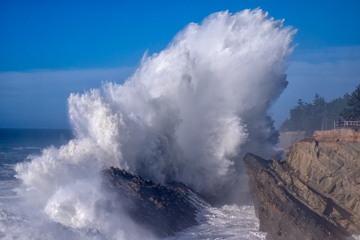 High surf advisory at Shore Acres State Park in Coos Bay, Oregon.