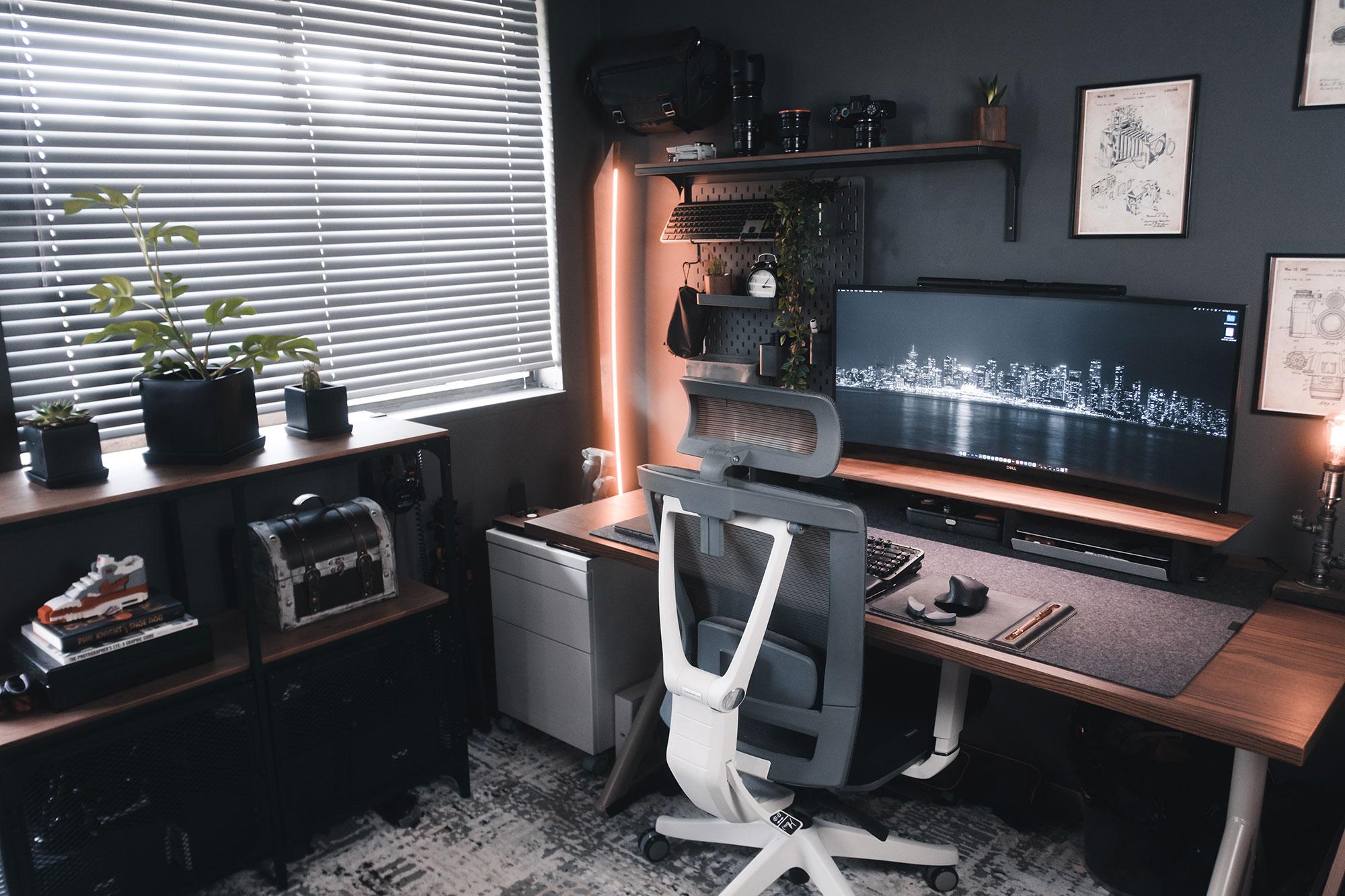 A Creator's Workspace - Fuji X Passion