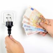 Luce e gas aumentano ancora: Passa al mercato libero