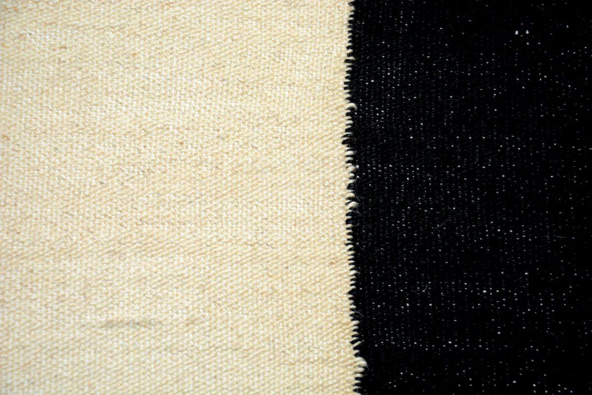 svartvitt matta