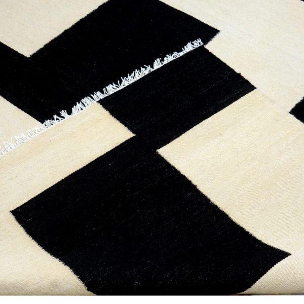 black-and-white-rug