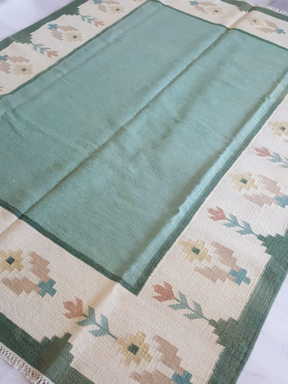cream-rugs