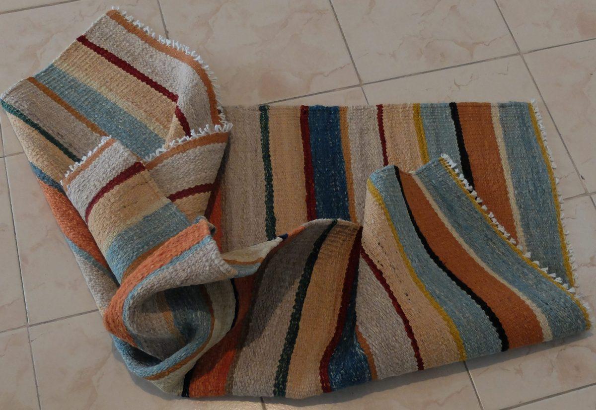 SImple kilim rug
