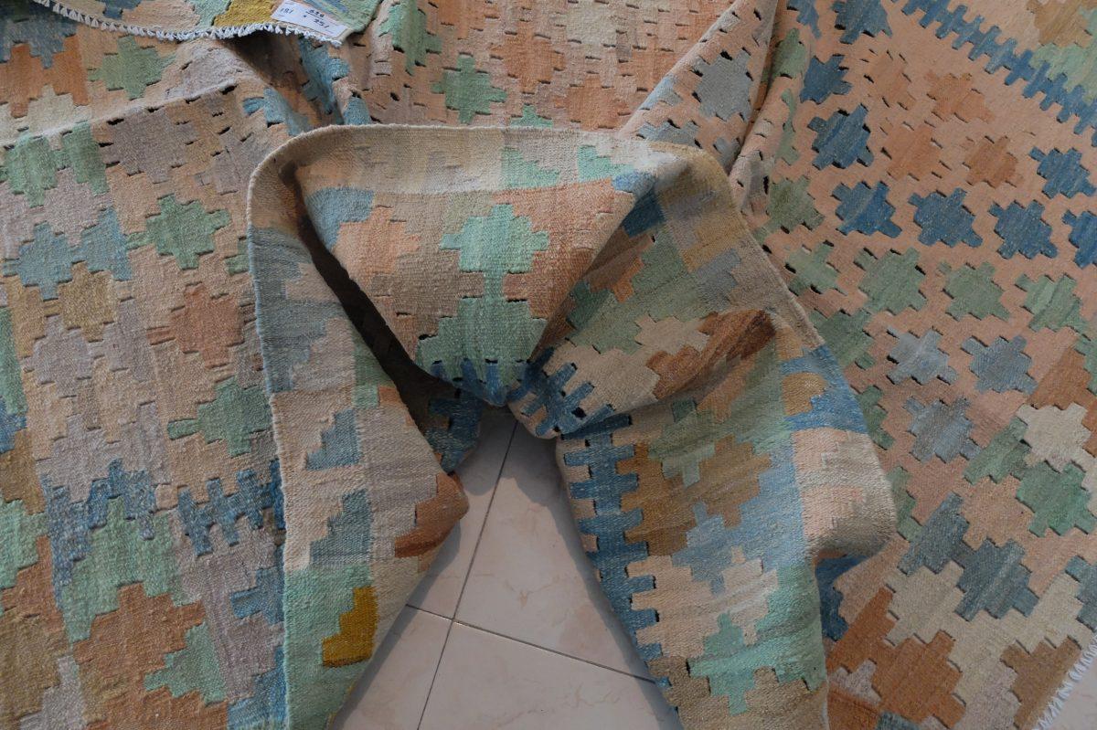 modern flatweave soft kilim rug